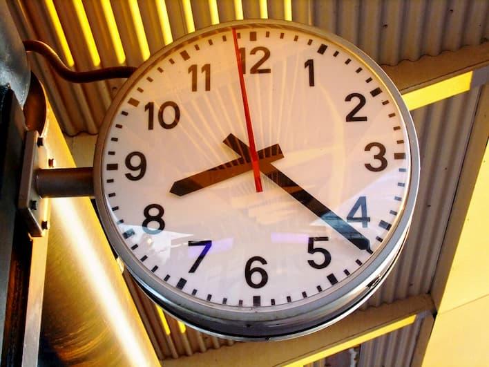 アクセス数がアップするブログ記事の投稿におすすめの時間帯は何時?