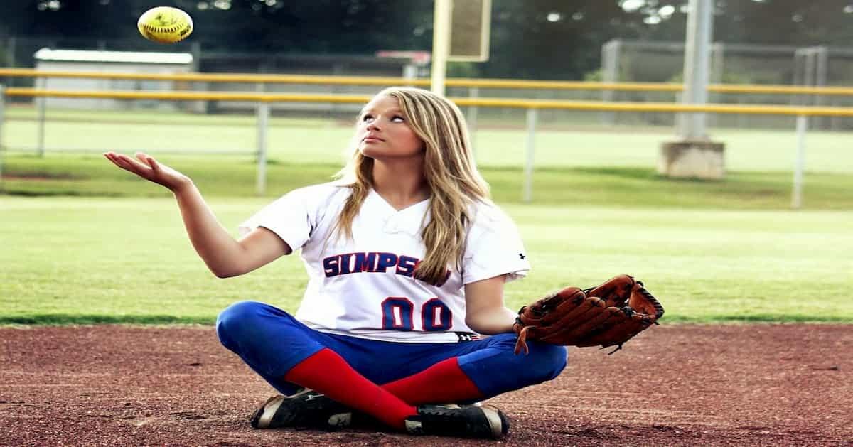女子プロ野球崩壊。リーグ在籍選手の過半数が退団