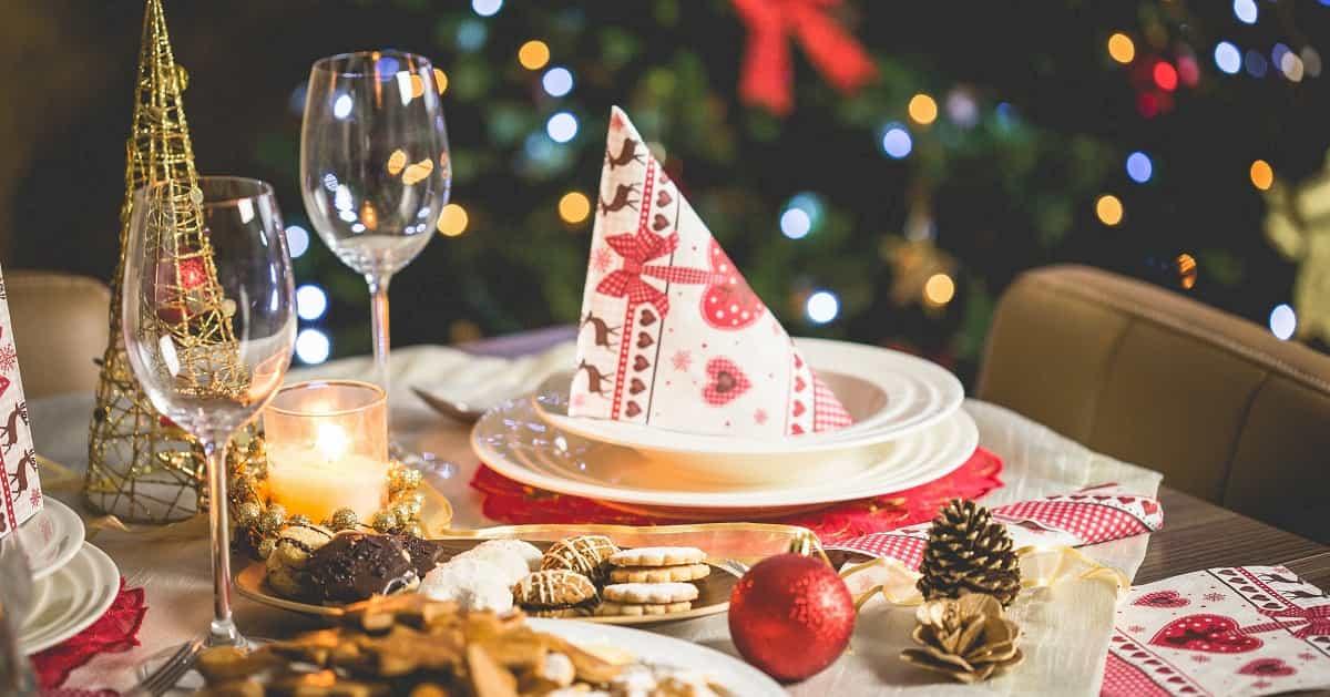 クリスマスイブの「イブ」は「イブニング」の略。「クリスマス当日の夜」という意味